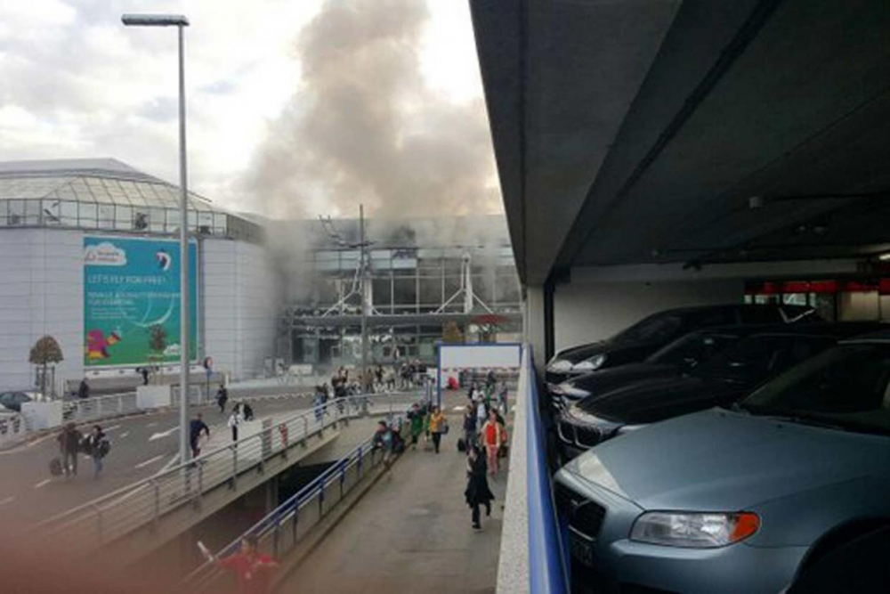 Brussels Airport suffers terrorist attack – Antwerp port under state of alert. 1
