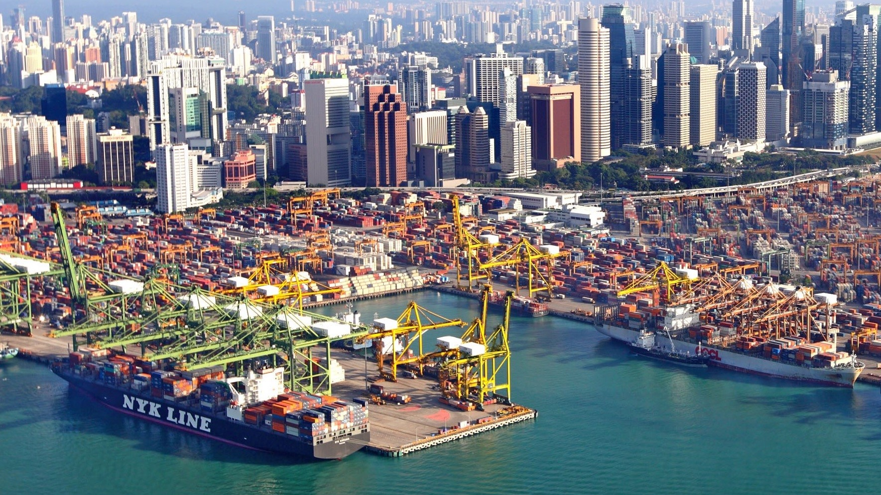 Singapore largest transhipment hub in the world 1