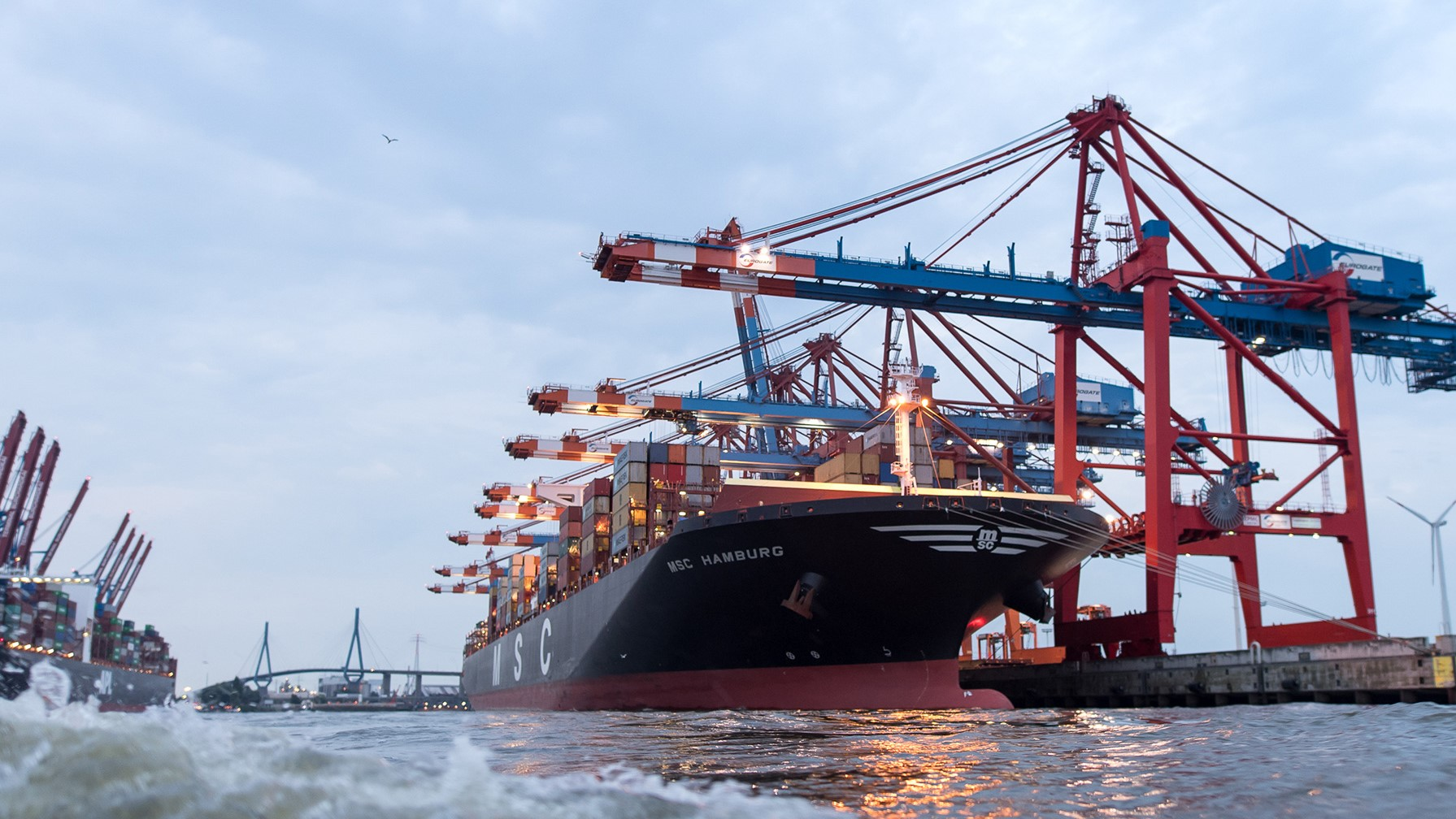 Hamburg and Bremen port suffering from draught problems 1