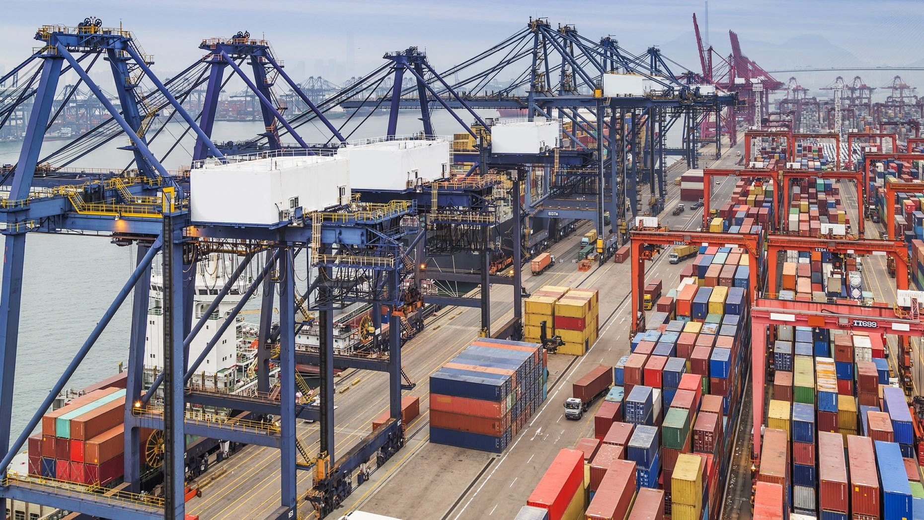 US container import volumes over export become critical 1