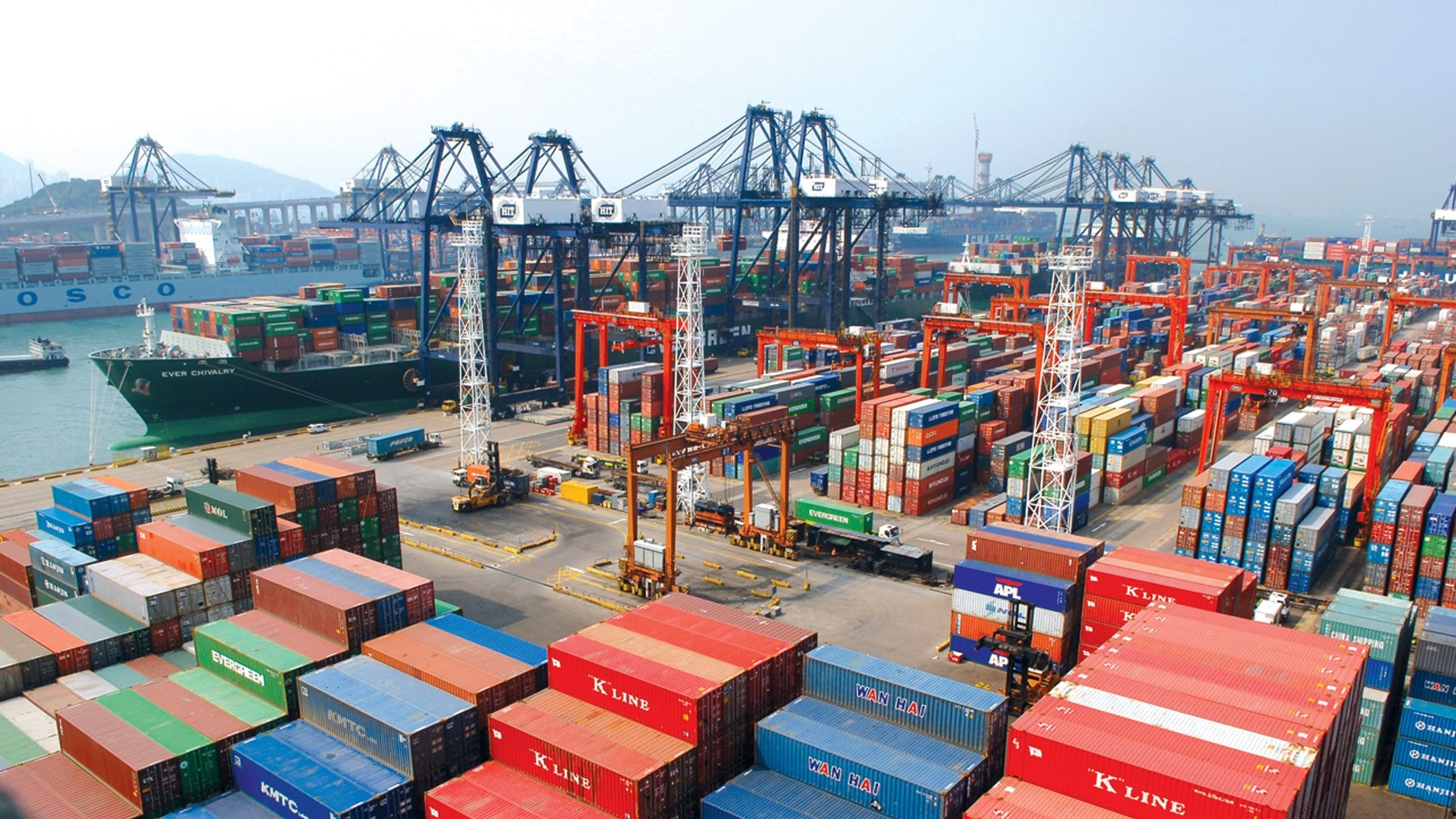 Hong Kong exports forecast to suffer largest decline in a decade 1