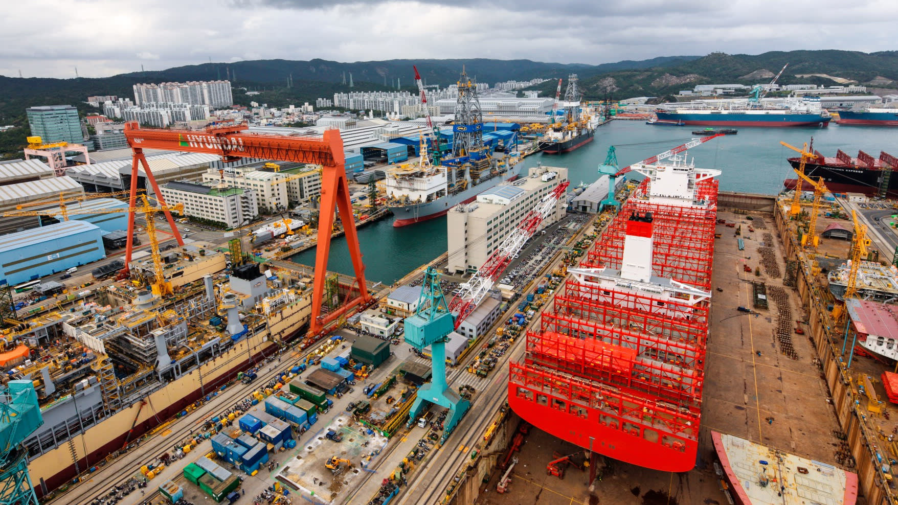China merges two largest shipbuilding groups 1