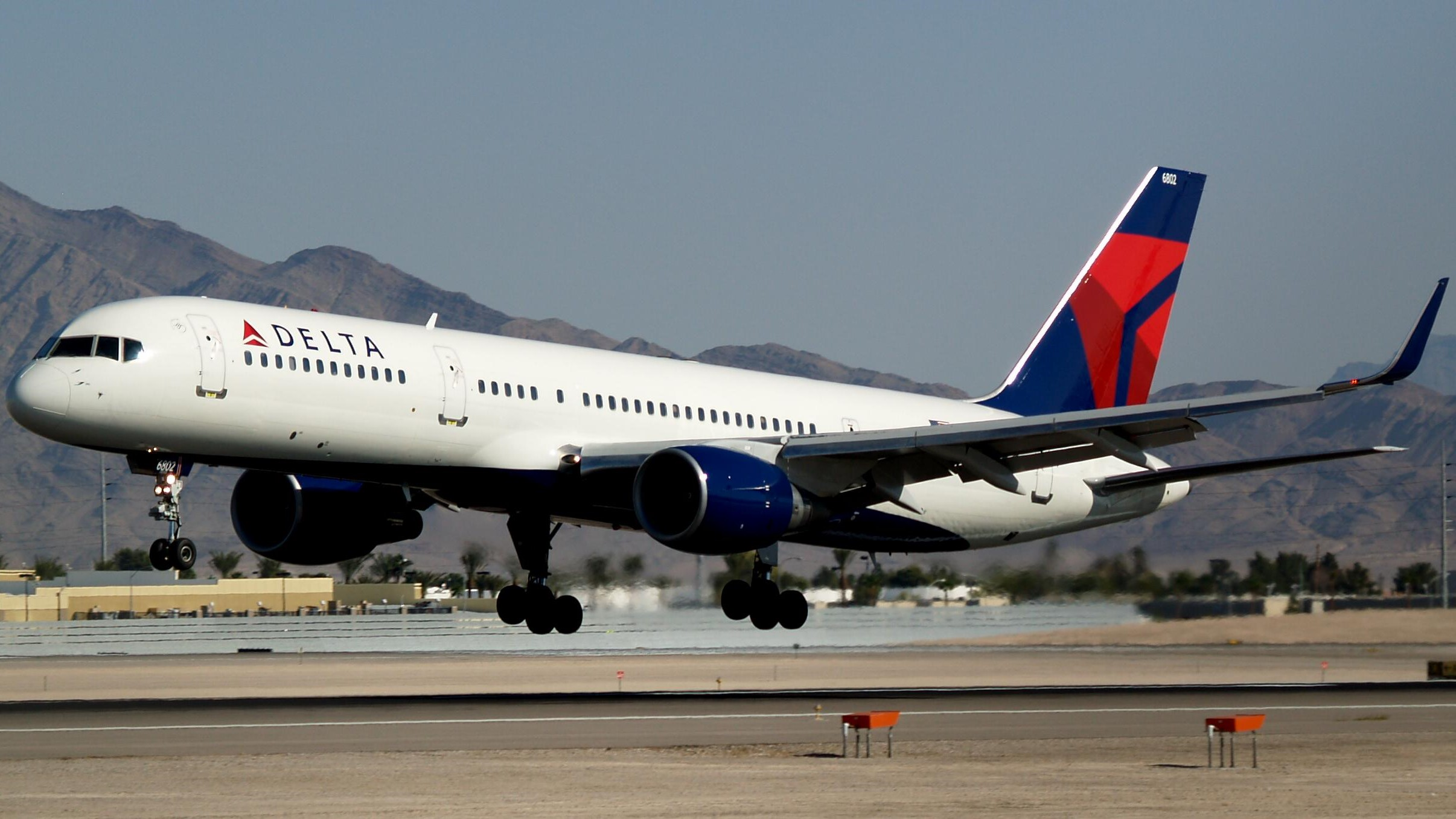 Delta Air Lines and LATAM report year-on-year drop for Q4 1