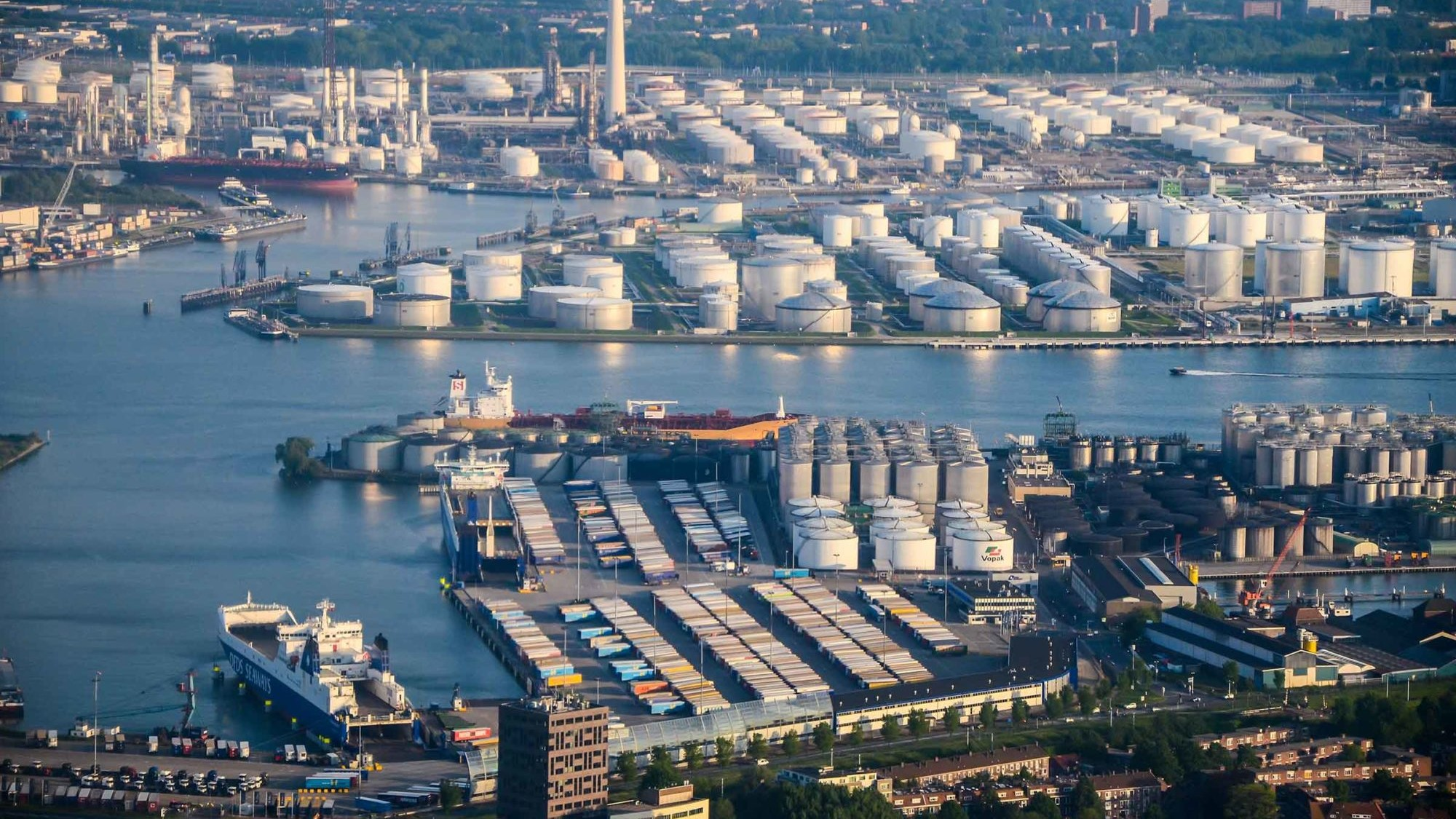 European ports report year-on-year container throughput increase 1