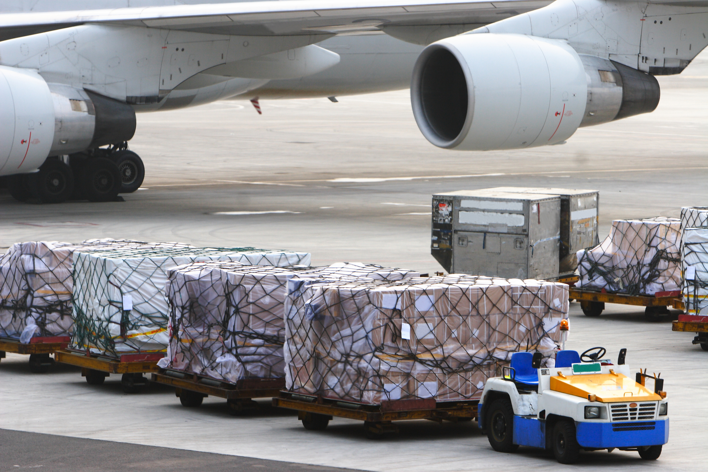 Air freight rates remain under continuous pressure. 1