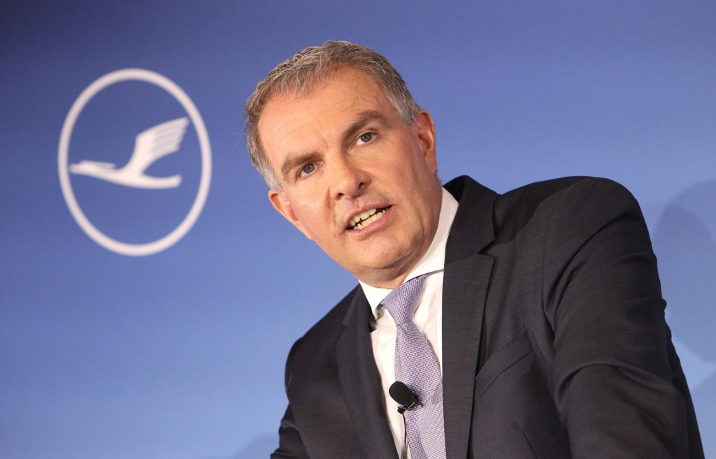 Lufthansa shareholders agree on survival plan for the airline 1