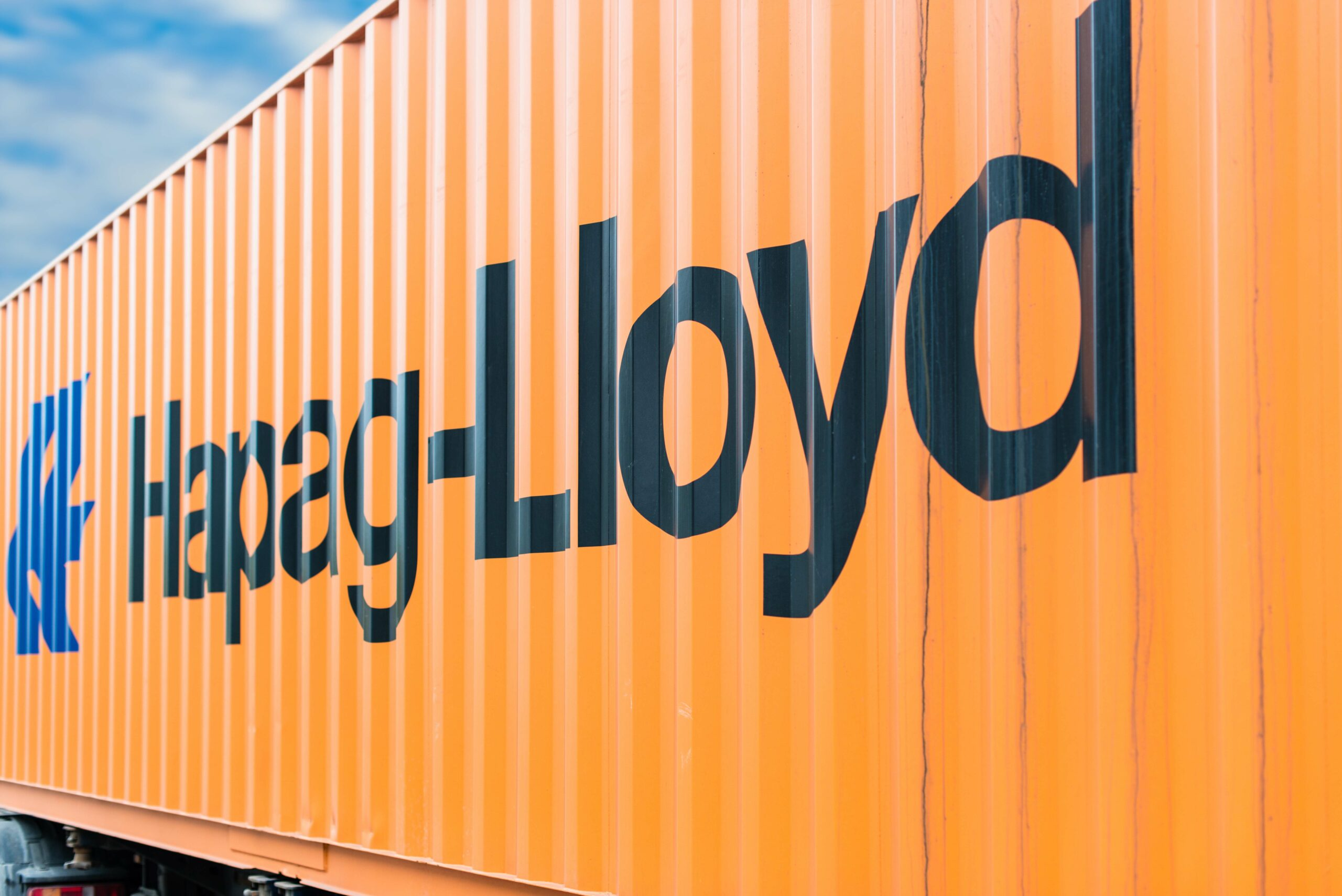 Hapag-Lloyd achieves substantial half year results 1