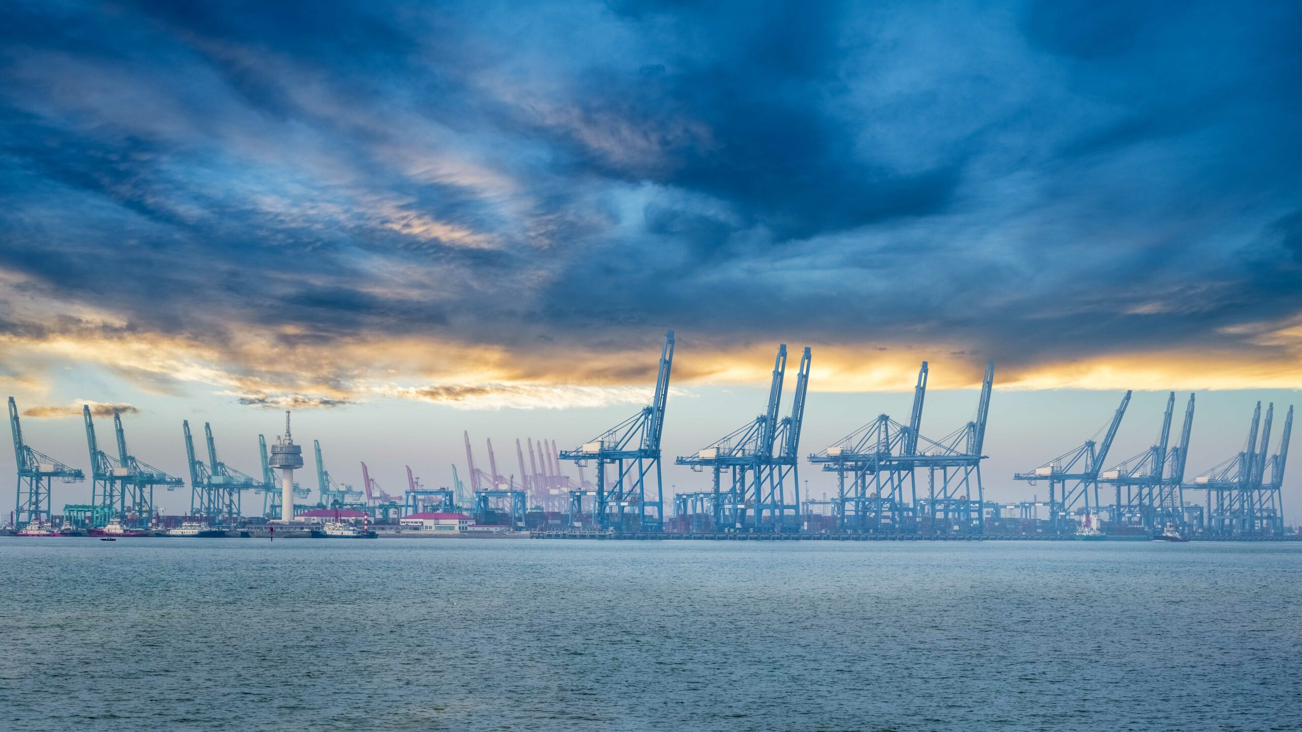 Transpacific alliances reinstalling capacity for booming trade 1