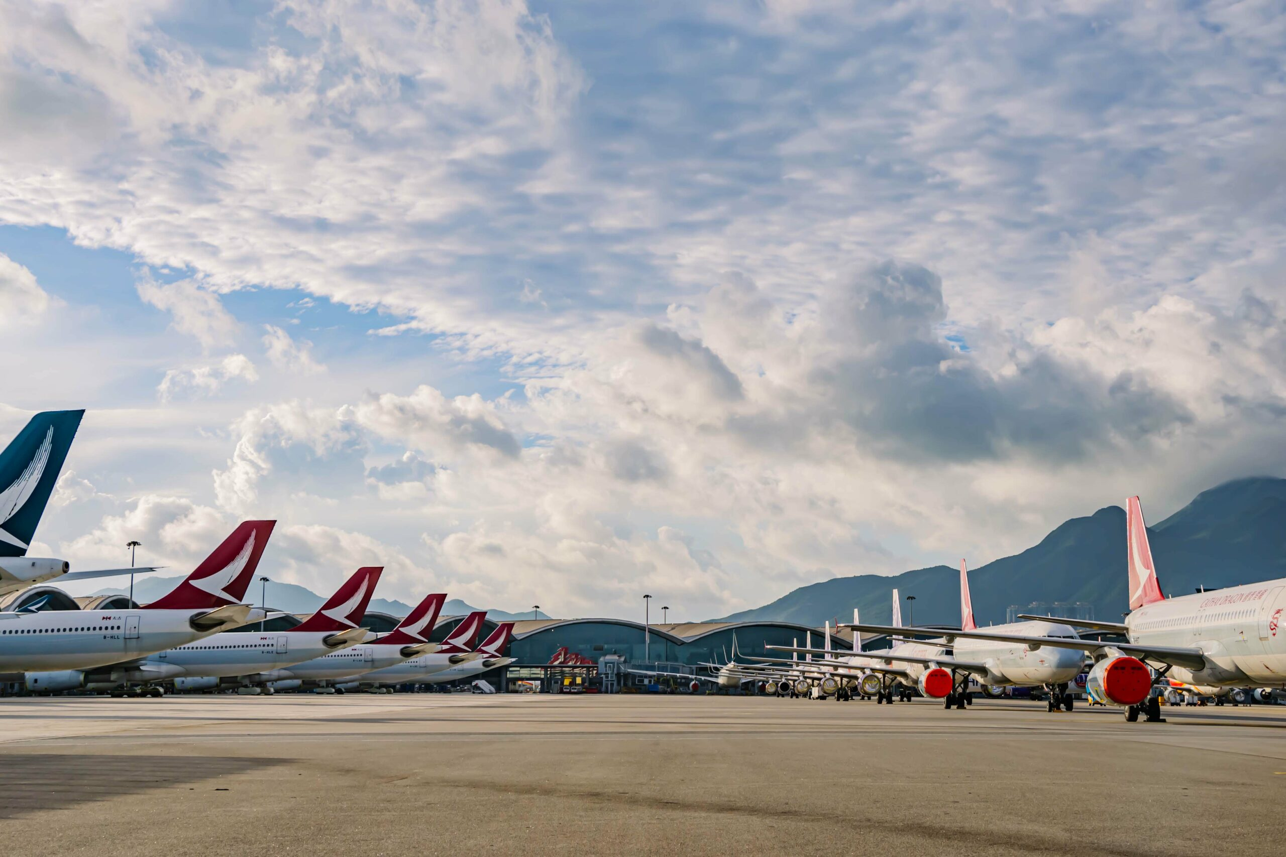 Cathay Pacific considering further pay cuts and redundancies 1