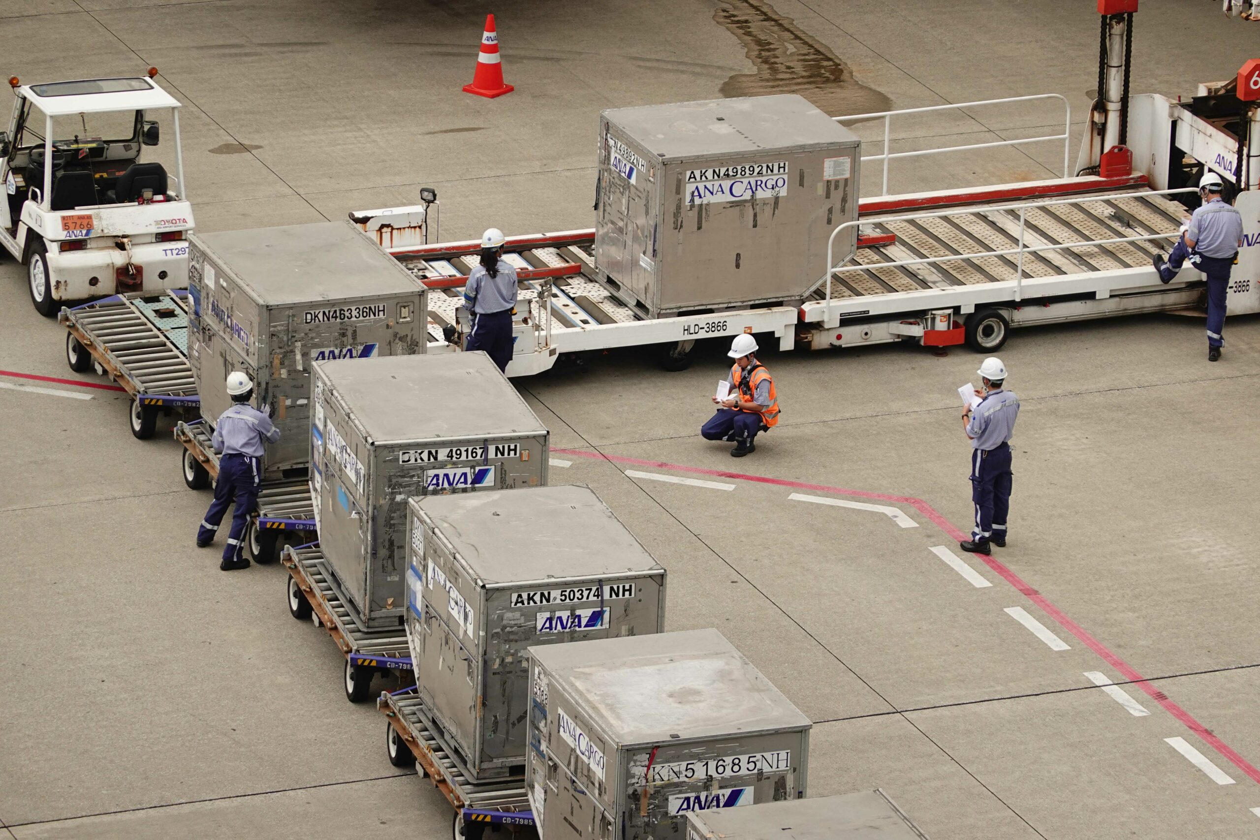 November's air cargo volumes not as expected 1