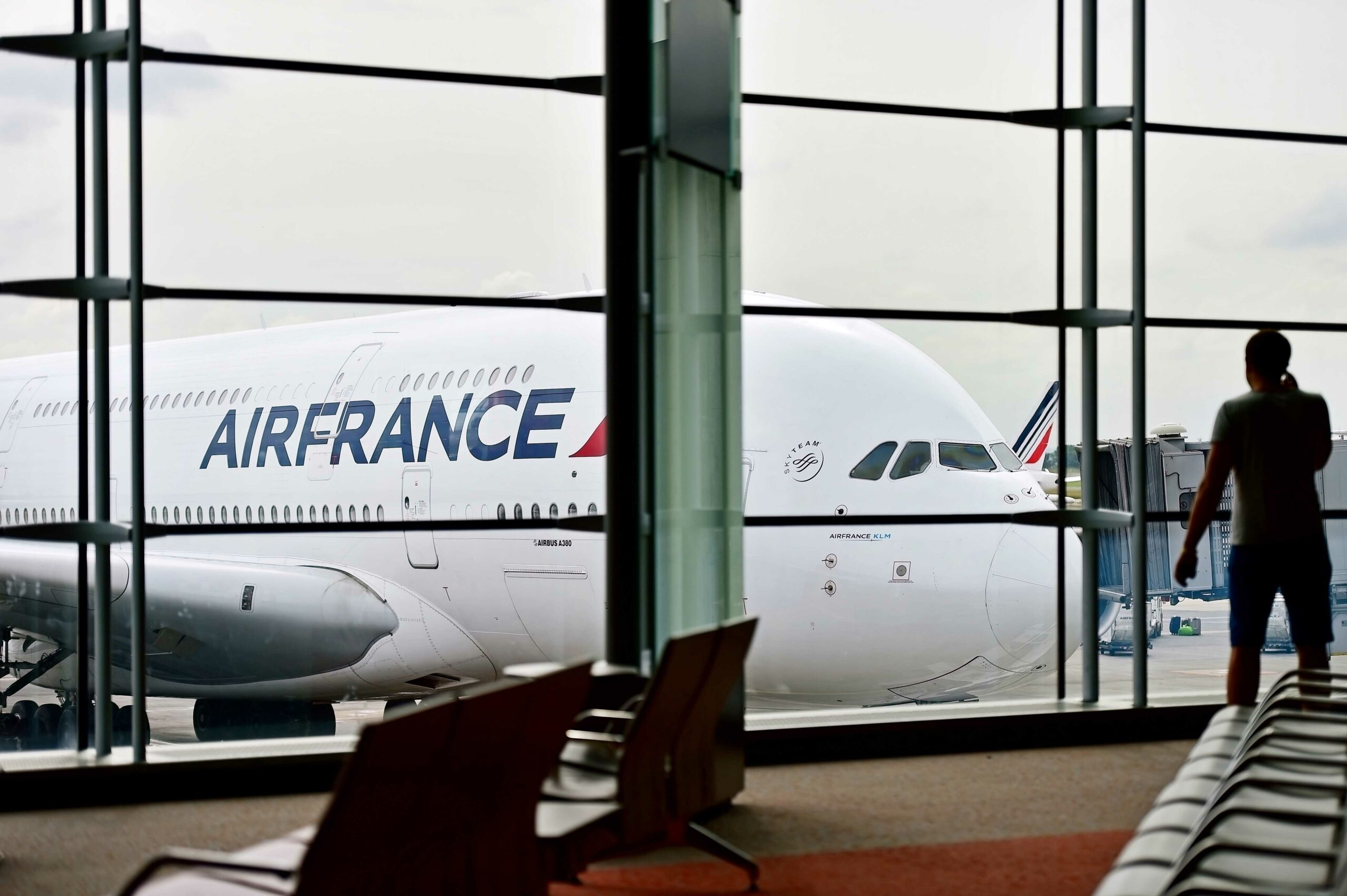 French government adding another 5 billion euro to assist Air France 1
