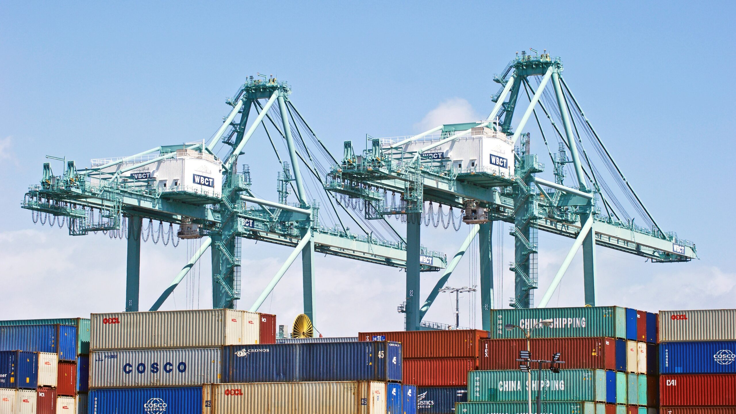 US Pacific coast keep adding new container handling records 1