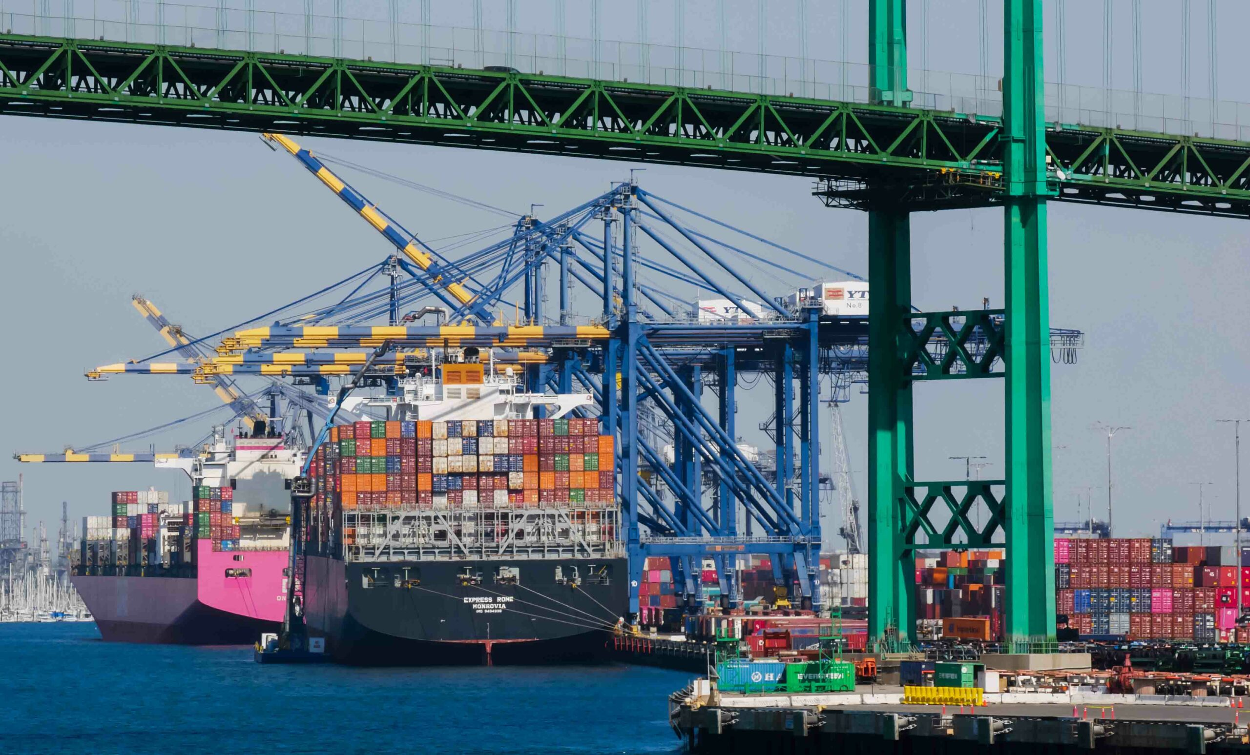 Los Angeles Port Logjam Has Enough Containers to Cross Half the U.S. Atlas logistic network