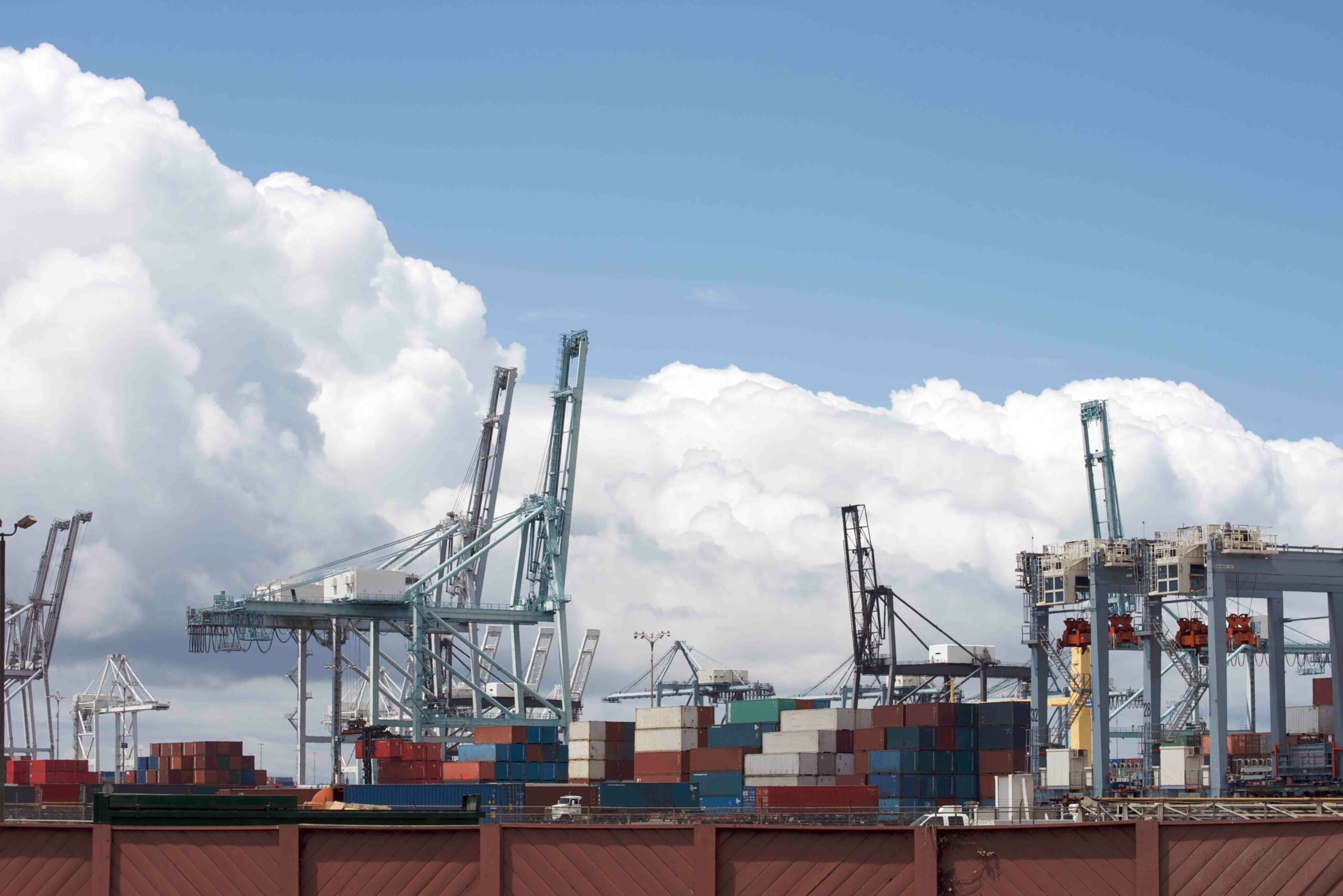 Record Number of Ships at Southern California Ports Atlas Logistic Network
